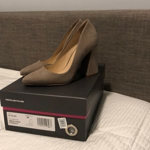Vince Camuto size 5 smoke show Talise never worn